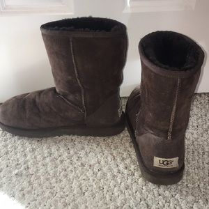 Authentic UGG brown short boot!